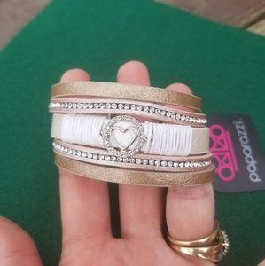 NWT Paparazzi Wrap Bracelet
